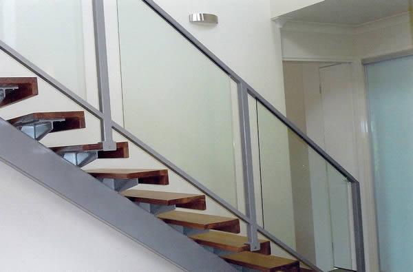 Timber stair glass balustrade
