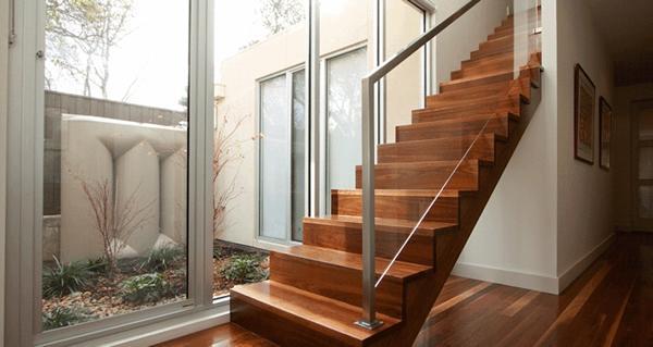 Sawtooth stairs