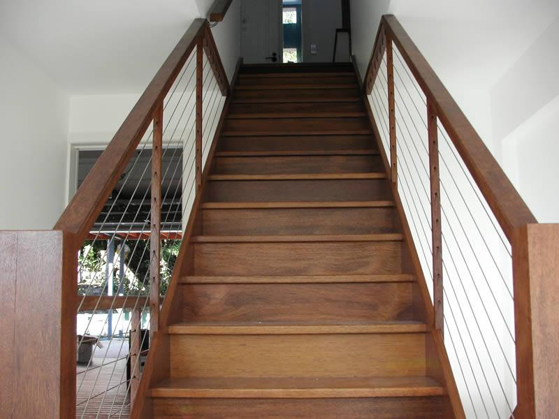 Closed stair with wire balustrade